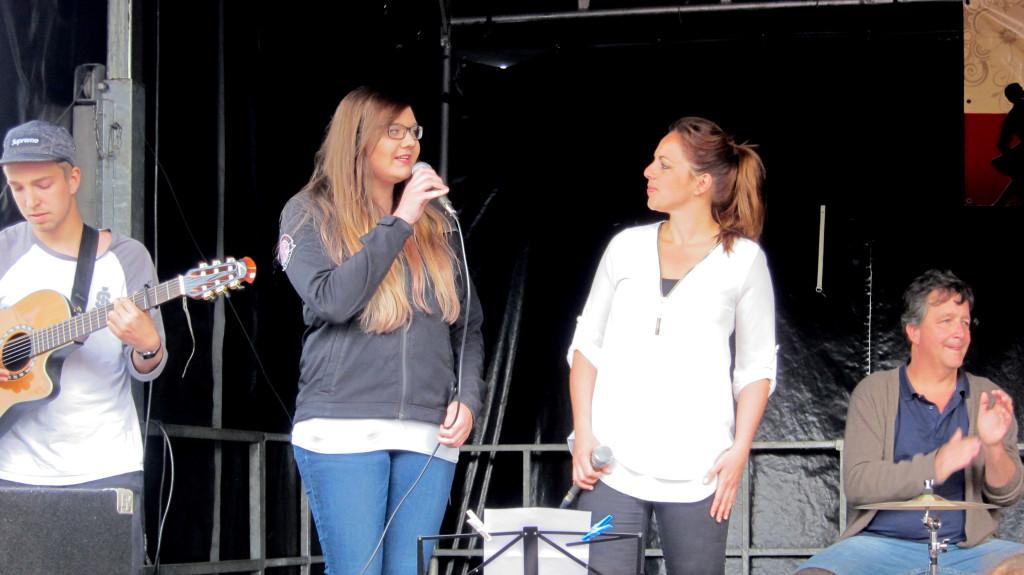 """Cupsong Flashmop mit Tanzschule """"Come in"""" auf dem Maimarkt am 17.05.2015 in Kerpen-Sindorf"""